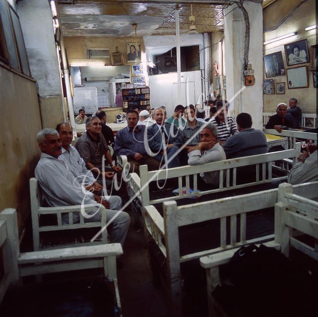 Café Oum Kolssoum (café des intellectuels) Rue Rachid à Bagdad, prise en 2002