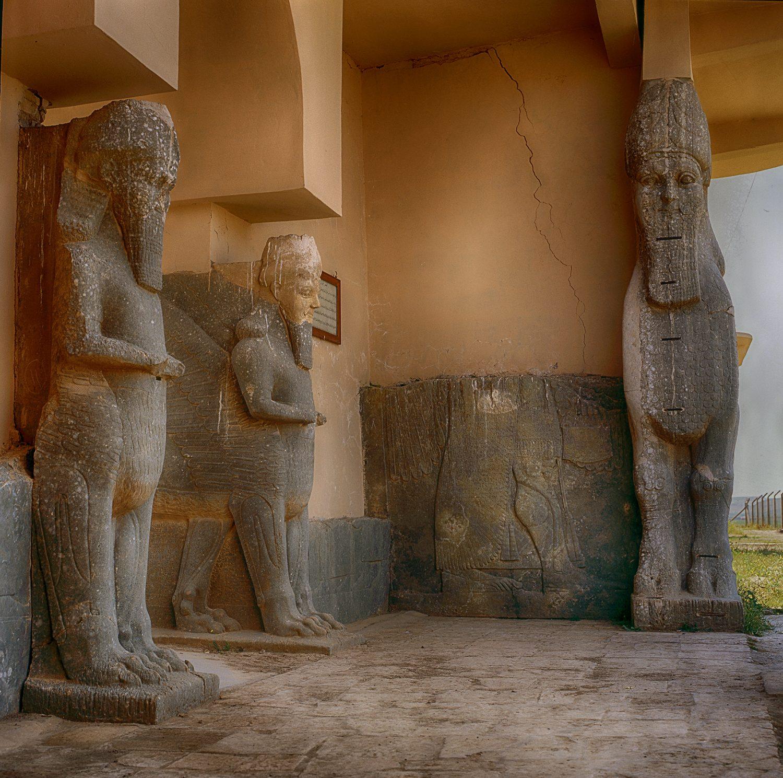 Taureaux Ailés au Palais du Roi Assurnasirpal II, à Nimrud. Civilisation Sumérienne du 9° siècle av. J.C.